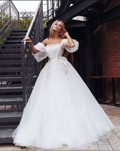 7 Adorable Tulle Off The Shoulder Wedding Dress Jaw-Dropping Ideas.Wedding Dresses With Sleeves Dream Wedding Dresses, Bridal Dresses, Wedding Gowns, Stunning Dresses, Pretty Dresses, White Bridal, Quinceanera Dresses, Ball Dresses, Dream Dress