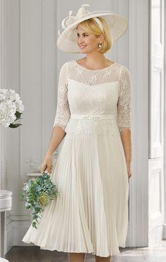 Older Bride, Next Fashion, Earl Gray, Christmas Wrapping, Brides, Wedding Dresses, Bridal Gowns, Boyfriends, Bride Dresses
