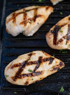 Easy Grilled Chicken Breasts are a go to recipe when the weather warms up with an easy lemon marinade and a quick grill you'll use this recipe all summer long for lunches, dinner, salads, soups and more! Easy Roast Chicken, Roast Chicken Recipes, How To Cook Chicken, Grilled Chicken, Grilled Food, Rosemary Chicken, Steak Recipes, Grilling Recipes, Cooking Recipes