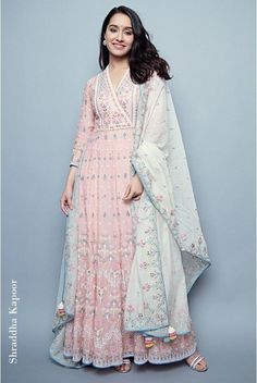 Want to buy Indian designer bridal Lehenga and personalized designer Lehenga Online? Get Latest Lehenga Designs Online Shopping at Carma Online Shop. Shop Now or step in to our nearest store to check the collection. Designer Kurtis, Indian Designer Suits, Designer Dresses, Designer Anarkali, Indian Gowns, Indian Attire, Pakistani Dresses, Indian Kurta, Indian Wedding Outfits