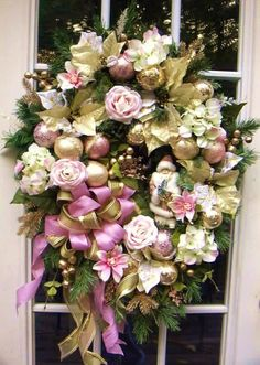 Floral wreath. Pink and gold Christmas holiday, lux.