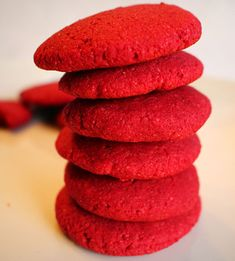 Brighten up any spring party with these naturally delicious beet cookies! Healthy Cookies, Cookie Recipes, Coconut Oil For Fleas, Coconut Flour, Coconut Recipes, Vegan Recipes, Benefits Of Coconut Oil, Spring Party, Vegane Rezepte