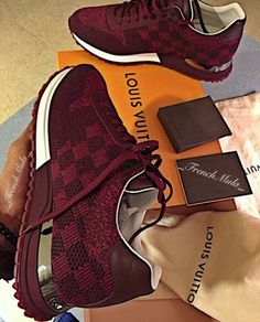 Sneakers louis vuitton 2018 new Ideas Moda Sneakers, Cute Sneakers, Shoes Sneakers, Zapatillas Louis Vuitton, Louis Vuitton Sneakers, Sneakers Fashion, Fashion Shoes, Fashion Models, Hot Shoes