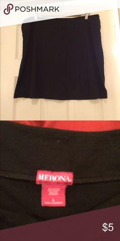 Neurons Skirt Very comfortable pre-loved skirt. Merona Skirts Midi