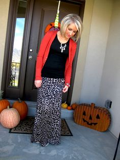 Fall Leopard Look - it's a cute outfit!  this looks just like you @DonandJoanne Rasmussen  =)