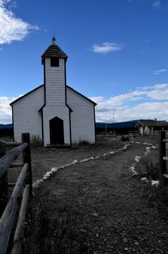 cochrane -church canada photo by janet kaubisch kampijon