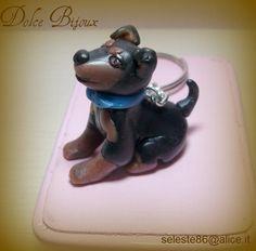 Miniatura cagnolino pincher personalizzato realizzato a mano in fimo cernit...altre razze su richiesta - Portachiavi - di Dolce Bijoux | Misshobby