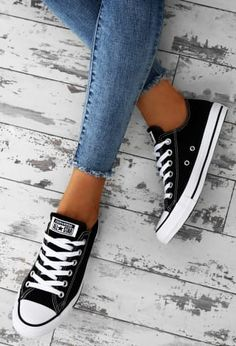 Chuck Taylor Converse All Star Black Trainers - Shoes Mode Converse, Outfits With Converse, Converse Sneakers, Converse All Star, All Black Converse Outfit, Black Trainers Outfit, Chucks Outfit, Converse Tumblr, Adidas All Star