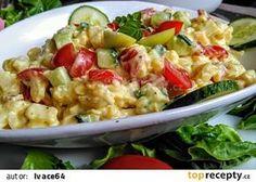 Letní bramborový salát se salátovou okurkou, jablky, rajčátky a kešu zálivkou recept - TopRecepty.cz