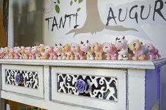 Fazendinha de dois anos do Caio - Constance Zahn | Babies & Kids Maria Clara, Toy Chest, Storage Chest, Bernardo, Lucca, Toys, Party Ideas, Custom Items, Decorated Cookies