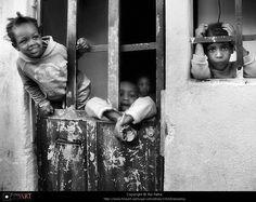 Rui Palha Street Photography Peeping
