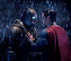На большие экраны вышла самая ожидаемая премьера весны «Бэтмен против Супермена: На заре справедливости». 24 марта Гид Событий посетил премьерный показ фильма в кинотеатре «Формула кино» в ТРК Галерея и готов поделится своими впечатлениями.