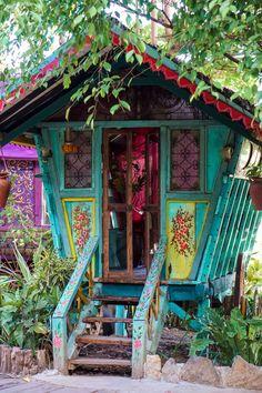 Love the boho chic vibe with these gypsy caravans at La Laguna! Lounging at La Laguna Canggu Backyard Fort, Backyard Beach, Backyard House, Small Backyard Pools, Ponds Backyard, Small Patio, House Yard, Small Space Interior Design, Interior Design Living Room