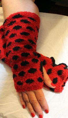 Most Popular Red and Black polka dot fingerless gloves by KariLynnsKumfortshop,