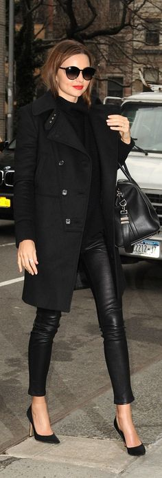 #street #fashion Miranda Kerr fall all-black @wachabuy