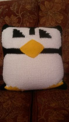 Intarsia knitting - penguin cushion