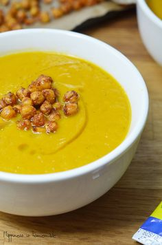 SoupMaker Roasted carrots and sweet potato soup, with harissa roasted chickpeas                                http://happiness-is-homemade.com/2015/01/20/soup-maker-recipe-roasted-carrots-sweet-potato-soup-with-harissa-roasted-chickpeas/