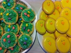 Simply decorated Easter chicks and nest cookies