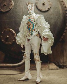 The 'Turkish Macho' exploring BDSM, Baroque, and Jean-Paul Sartre - Lilly is Love Weird Fashion, Look Fashion, Runway Fashion, Mens Fashion, Fashion Design, Arte Fashion, Editorial Fashion, Ideias Fashion, Baroque Fashion