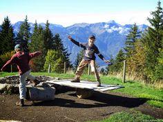 In der Natur unterwegs: Familientrip mit Gipfelsupplement - La Riondaz Spass in der Wanderpause #Leysin #wandern #Schweiz