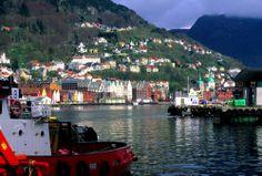 La entrada el puerto de Bergen es una de la estampas más espectaculares de Noruega.