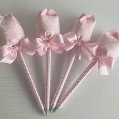 Canetas com ponteira de tulipas para chegada de Maria Eduarda! #nascimentoFinoGosto #MariaEduardachegou