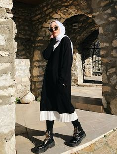 Hijab styles 770889661199708875 - Source by modaaa. - Hijab styles 770889661199708875 – Source by modaaalife - Street Hijab Fashion, Muslim Fashion, Modest Fashion, Hijab Fashion Style, Casual Hijab Outfit, Hijab Chic, Casual Outfits, Ootd Hijab, Women's Casual