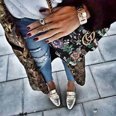 """""""Mi piace"""": 4,034, commenti: 59 - STYLE BY NELLI (@stylebynelli) su Instagram: """"Gold kimono with furry sleeves & denim. Sorry for my blurry #fwis #stylebynelli #ootd…"""""""