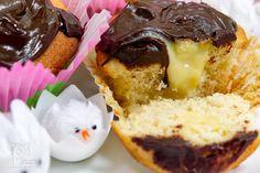 Boston Cream Pie Cupcakes or Cute Cupcake Quest Continues Just Desserts, Delicious Desserts, Dessert Recipes, Dessert Ideas, Cupcake Wars, Cupcake Bakery, Boston Cream Pie Cupcakes, Cute Cupcakes, Muffin Recipes