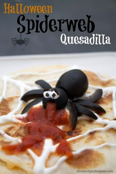 Halloween Quesadillas with Black Olive Spiders! #CalOliveCrafts #CleverGirls