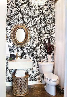 espejo sol, papel de Hemes y detalle de pasamanería de la cortina de ducha. perfecto!