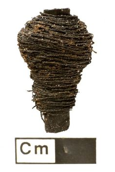 Archaeologists recently unearthed two remarkable textile artifacts from a Bronze Age site — a tiny thread ball, and another length of thread wound around a bobbin. Ancient Egyptian Art, Ancient Aliens, Ancient Greece, Ancient History, Animal Bones, Textile Fiber Art, Ancient Artifacts, Bronze Age, Fibres