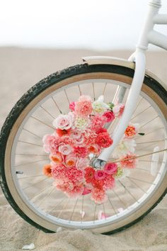 Add fresh blooms to bike spokes for an even prettier ride. Learn how in this DIY for transforming a beach cruiser into a pretty floral-infused bike. Deco Floral, Floral Design, Deco Champetre, Floral Arrangements, Beautiful Flowers, Wedding Decorations, Wedding Ideas, Wedding Inspiration, Bloom
