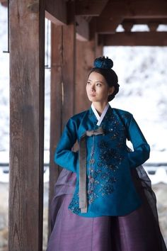 Hanbok in blue and purple