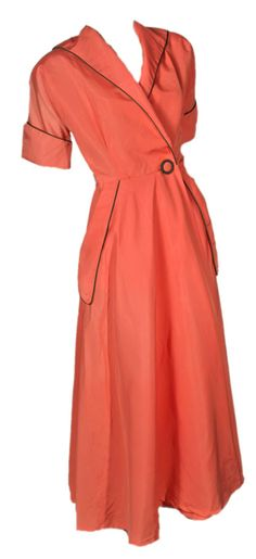 """1940s Glamorous Dressing Gown - Something you just """"threw on"""" while doing your makeup in the morning!"""