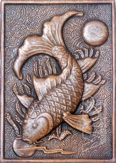 Fish Holding the Moon, Copper Embossed Painting by Le Van Phu. This piece would be useful to show students the detail and care that is possi… Tin Foil Art, Aluminum Foil Art, Aluminum Crafts, Metal Crafts, Clay Wall Art, Clay Art, Wood Carving Art, Wood Art, Emboss Painting