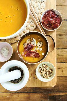 Avec son petit goût de châtaigne et sa finale sucrée, le potimarron constitue une excellente base classique pour préparer des recettes de veloutés au profil aussi bien rustique qu'exotique.