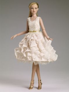 Tonner-Soft-Elegance-Cami-doll-NRFB-limited-edition-of-300