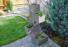 Jardinera vertical DIY con bloques de hormigón
