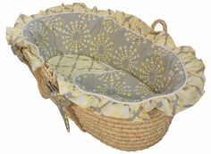 Moses Basket. LOVE <3
