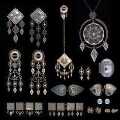 nordmørsbunad sølv - Google-søk Filigree Jewelry, Silver Jewelry, Thinking Day, Folk Costume, Ethnic Jewelry, Diamond Are A Girls Best Friend, All Art, Norway, Diamond Earrings