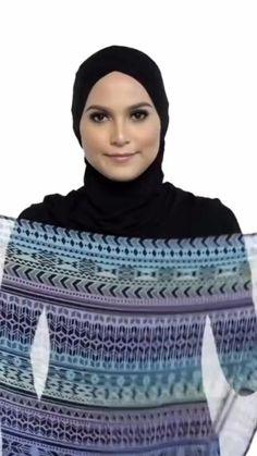 Hijab Turban Style, Mode Turban, Pashmina Hijab Tutorial, Hijab Style Tutorial, How To Wear Hijab, Ways To Wear A Scarf, Hijab Fashion Inspiration, Mode Inspiration, Islamic Fashion