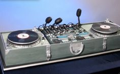 My birthday is coming up - feeling this Turntables Cake by Cake Girls
