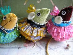 These are small ballet dancers that are made from cat toys, which I up-cycled from my cat's toy collection, and have given them a new look! Mouse Crafts, Felt Crafts, Sewing Crafts, Sewing Projects, Christmas Crafts, Christmas Ornaments, Christmas Tree, Cute Mouse, Little Doll