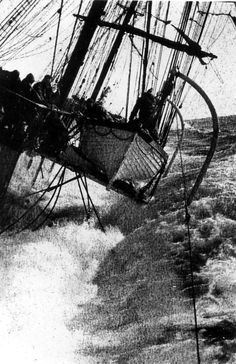 The way of a ship - 1923 - securing lifeboats under heavy seas off the Cape Stürmische See, Nautical Pictures, Sea Storm, Old Sailing Ships, Merchant Navy, Stormy Sea, Sail Away, Tall Ships, Old Pictures