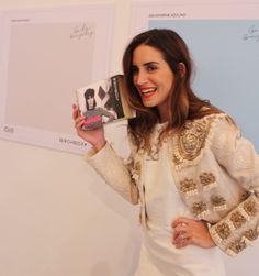 Gala Gonzalez con su Birchbox en la presentación de la colección de esmaltes diseñada por ella para Color Club: http://birch.ly/1gRX11x