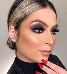 Glam Makeup, Flawless Makeup, Eye Makeup, Hair Makeup, Holiday Makeup, How To Apply Makeup, Creative Makeup, Beauty Trends, Makeup Inspiration