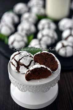 Schoko- Schnee- Kugeln Chocolate Cake Recipe If you wish to make a handmade chocolate cake from scra Cake Recipes Without Oven, Cake Recipes From Scratch, Easy Cake Recipes, Easy Desserts, Baking Recipes, Cookie Recipes, Dessert Recipes, Cupcake Recipes, Recipes Dinner
