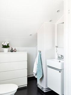 Jurnal de design interior - Amenajări interioare, decorațiuni și inspirație pentru casa ta: Amenajarea unei mansarde de 30 m²