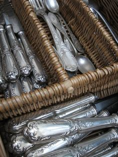 Neat collection of silverware! Love Vintage, Vintage Silver, Antique Silver, French Country Cottage, French Farmhouse, Country Style, Vintage Cutlery, Butler Pantry, Mercury Glass